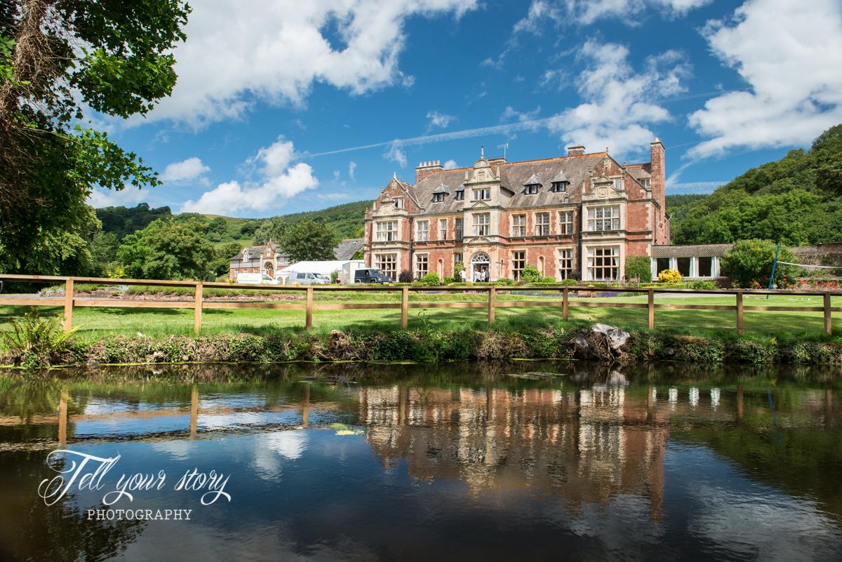 Somerset wedding photographer_Knowle Manor photography_01