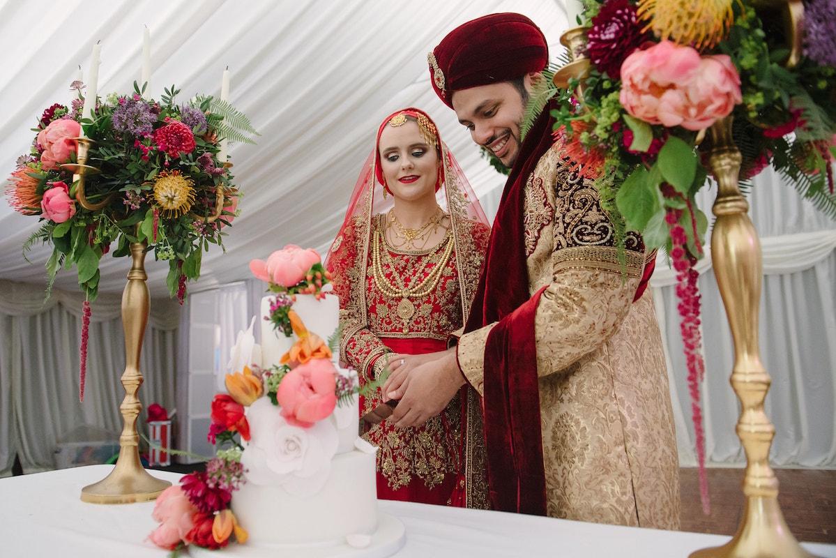 Asian Muslim wedding cake cutting at Tournerbury Woods Estate