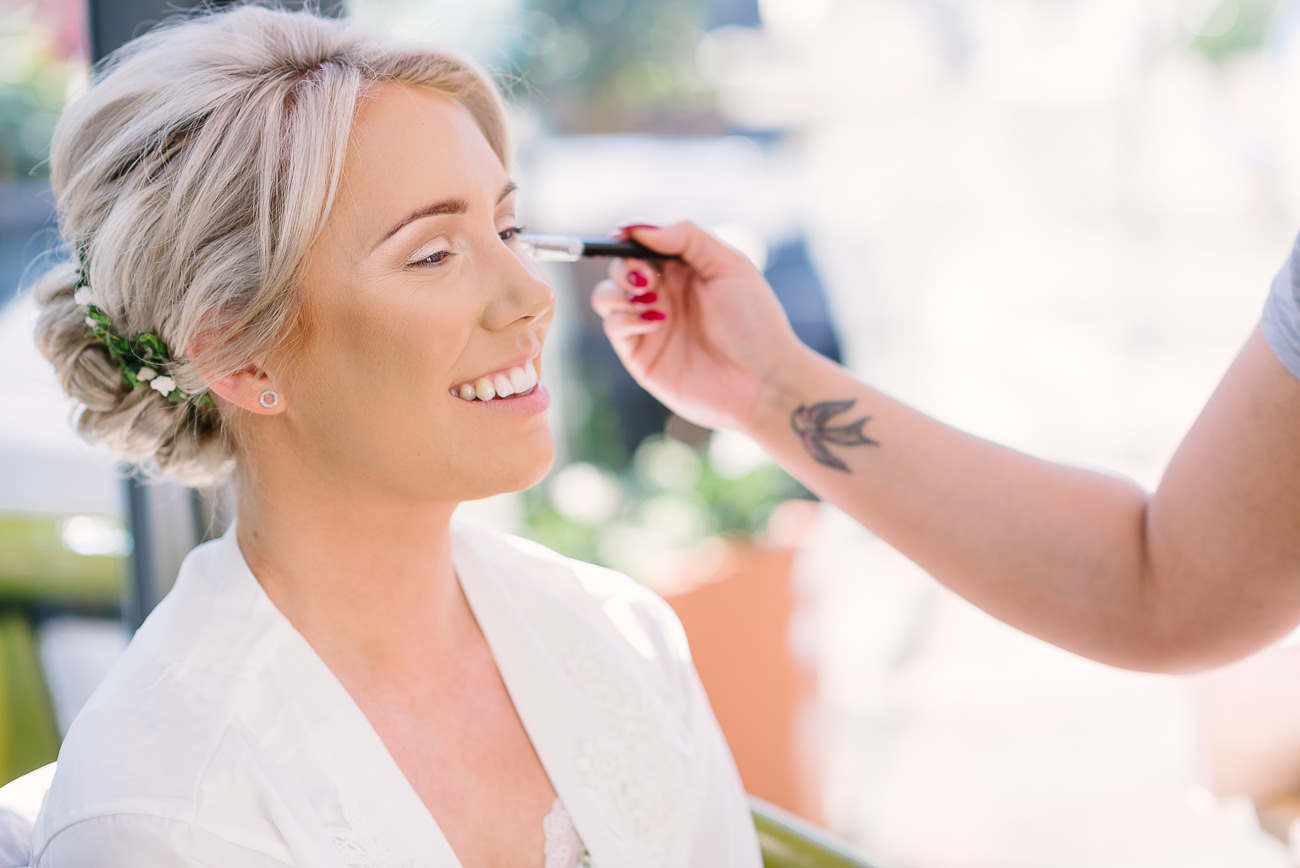 Wedding preps bridal make-up